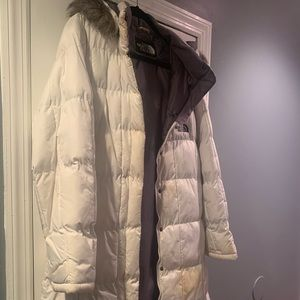 Women's white north face jacket with gray fur